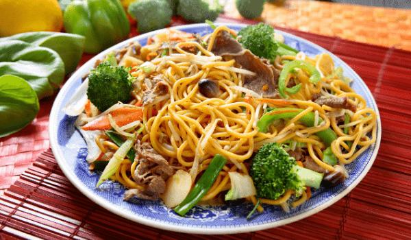 stir fry beef chow mein